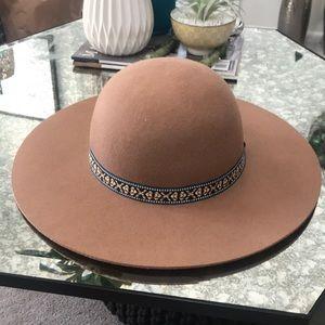 Dome floppy hat